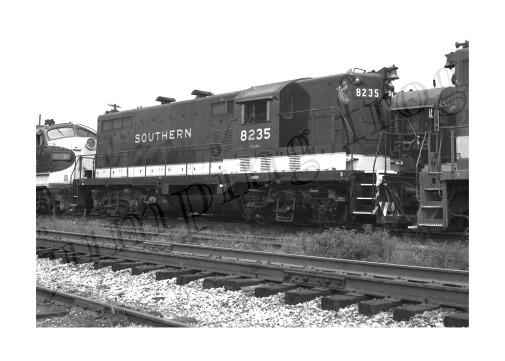Image for Southern Railway diesel locomotive #8235 5x7
