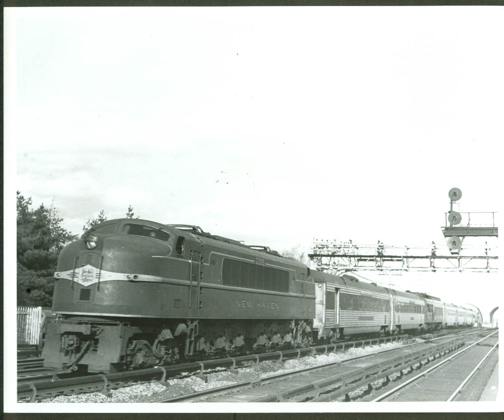 New York New Haven & Hartford GE EP-4 Electric #0365 Yankee Clipper photo 1948