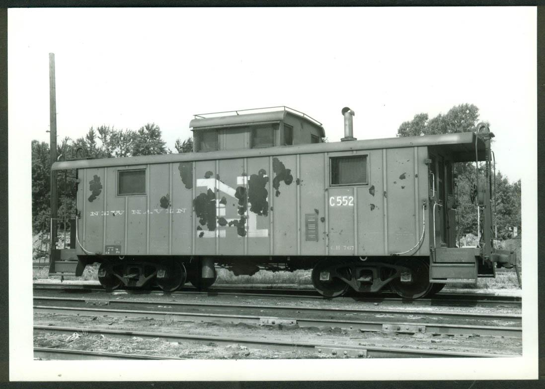 New York New Haven & Hartford RR Caboose #C-552 Maybrook NY 1970 photo