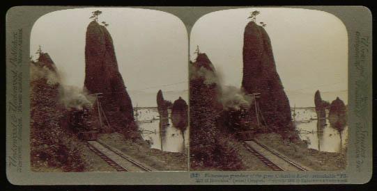 Steam locomotive Pillars of Hercules Oregon stereoview 1902
