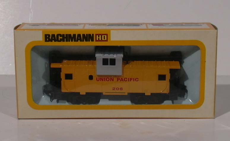 Bachmann HO Union Pacific Wide Vision Caboose #1056 MIB