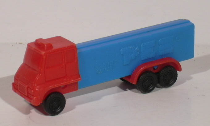 PEZ red & blue 6-wheel truck 4.9