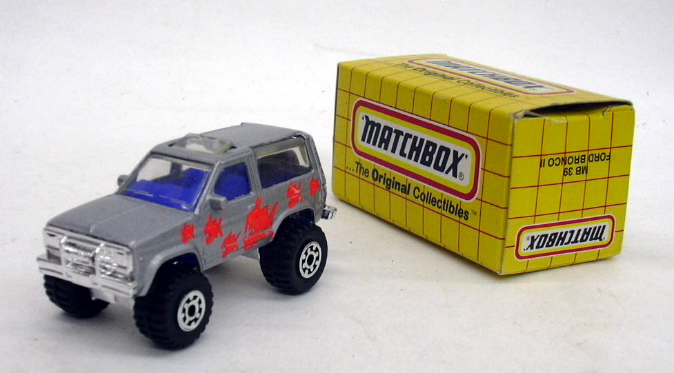 Matchbox MB 39 Ford Bronco II silver with orange fish 1987 China MIB