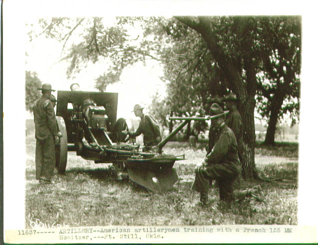 Image for US artillerymen 155mm French howitzer 1918