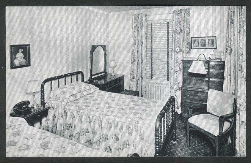 1920s Bedroom